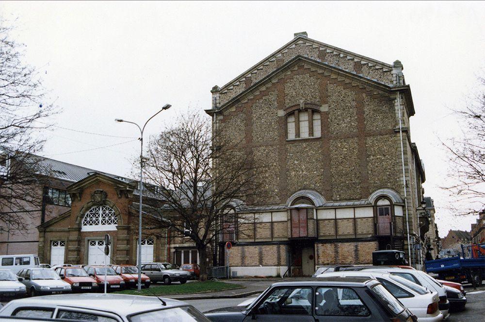 Théatre, magasin des pompes et le gymnase V Duffay 1995