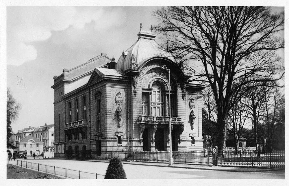 Théâtre en 1920
