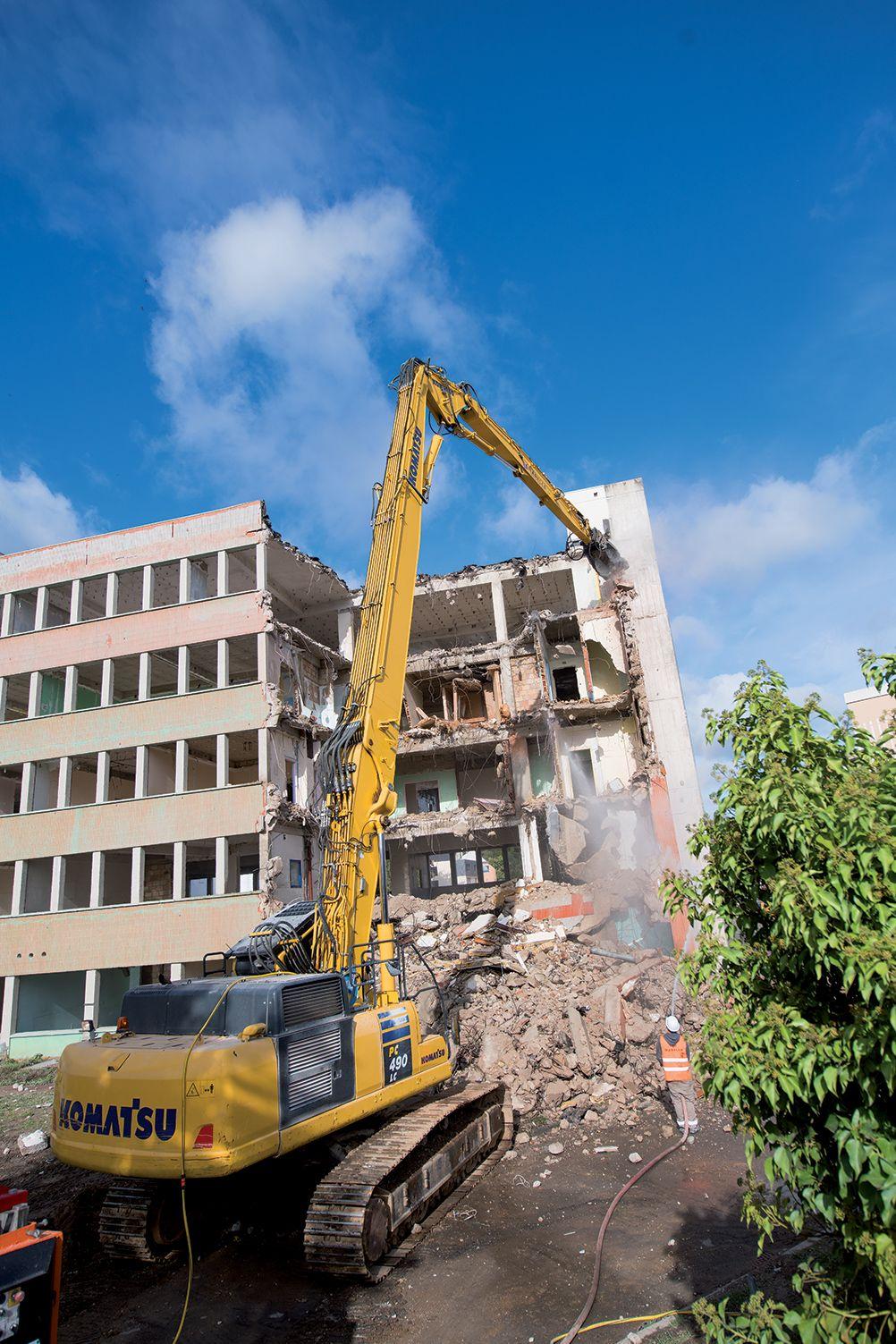 Démolition de l'ancien hôpital