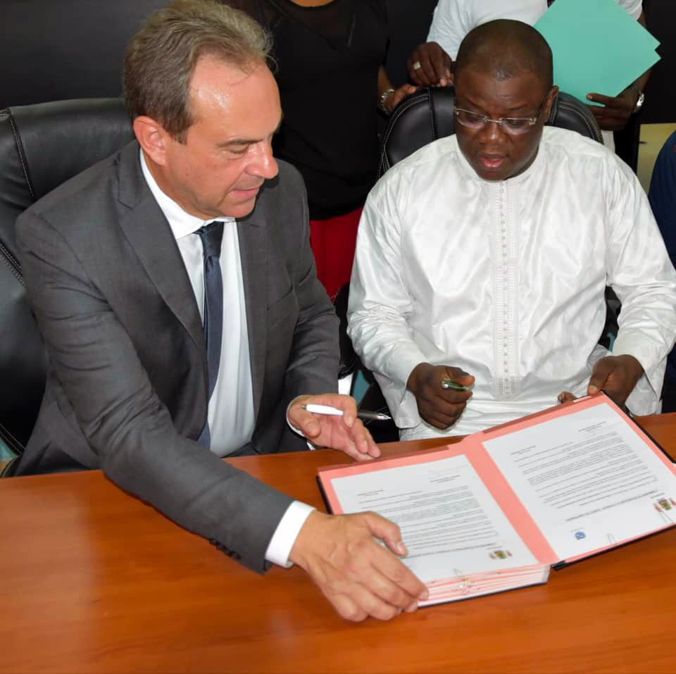 Signature du partenariat evreux - Ziguinchor